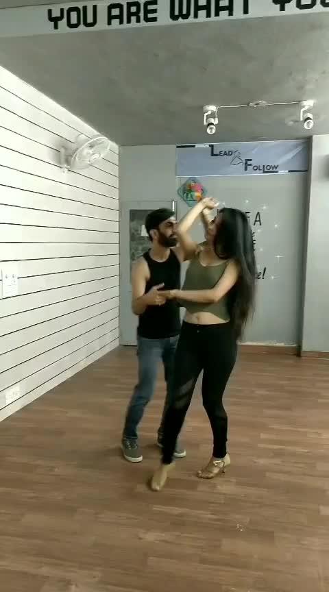 Salsa with @mohitaggarwal0988 #aakritigautam #bellydancer #latindance #salsa #dance forlife