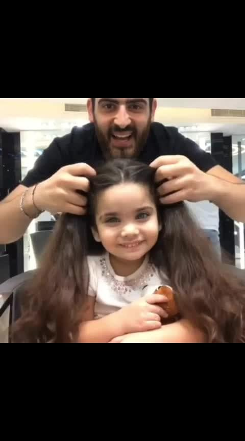 So adorable  #hair #haircolor #haircut #salon #hairvideo #aheadhairmedia #aheadhairtrends #lonewong #fashion-blogger #roposo-fashiondiaries #fashionation #natural-hair