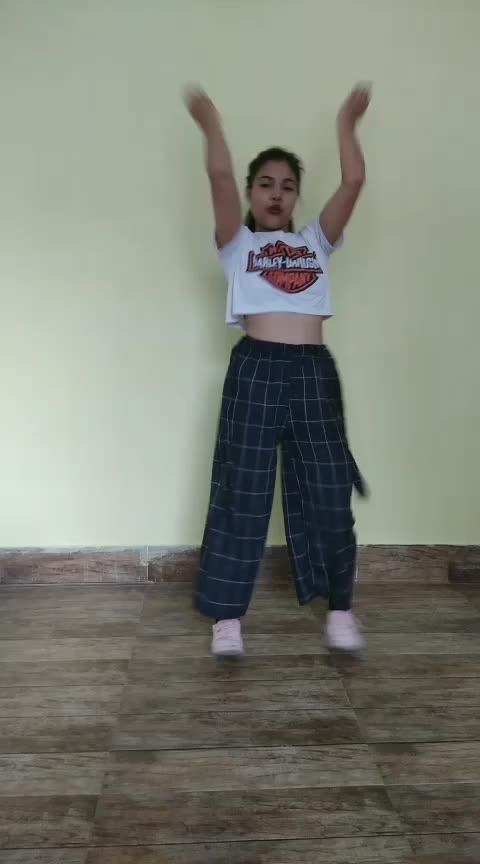 Mungda Bollywood song #roposo #roposodancer #mungda #bollywoodsong #dancerslife