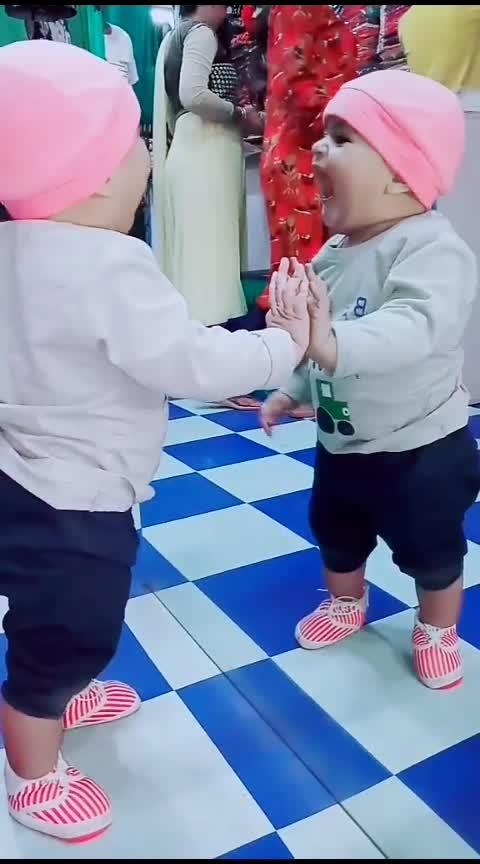 Babu Ki Masti😍😍 #roposo-masti #baby #babypink #babypink #babyshoot @roposobusiness @roposotutorial