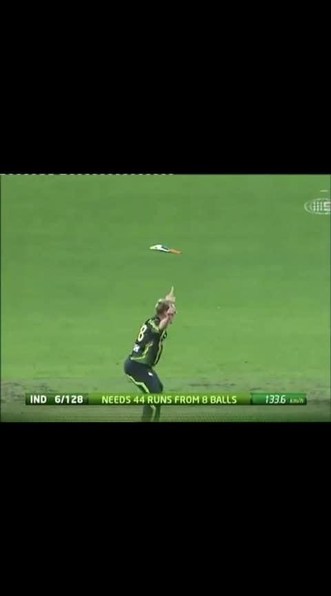 Dhoni's bat flying............! #sportstvchannel  #roposo-sport #sporty #msdhoni #msdhoni7  #msdhonifc #ms_dhoni #cricket #bretlee_vs_sachin #csk #dhoni-csk #cskfans #csk_fan