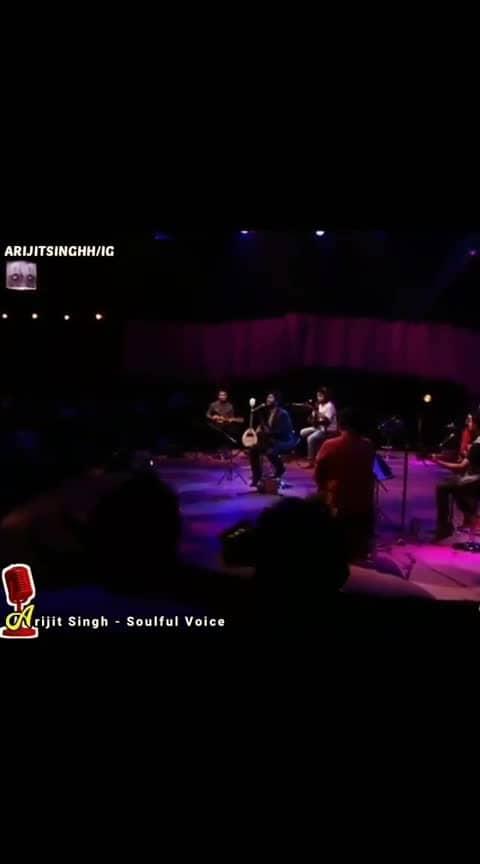 What a performance.... #arjitsingh  #ranbirkapoor. #yehjawaanihaideewani.  #ilahi. #arijitsinghlive.   #superbsong.    #iplfever