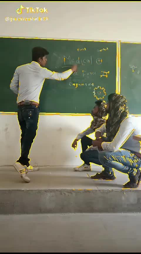 Hahahaha All-round Engineers... #hahaha #ropo-daily #ropos #ropo-beats #ropo-friends #ropo-fun #engeneering #engineers #rops-star #roposo-wow #roposo-haha #filmistaan #schoolday ##clg #ropo-boy #non-veg-jokes #desi-non-veg-joke #roposo-non-veg