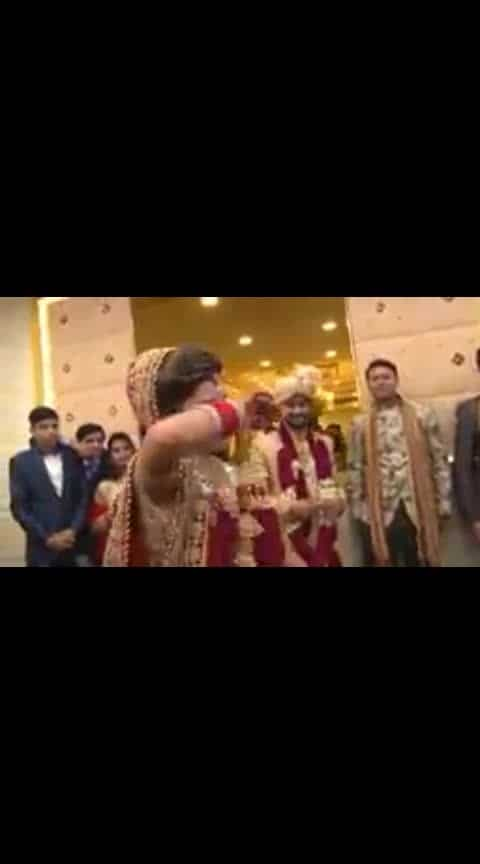 #wedding-bride #roposo-dance #roposoness #ropo-happy #roposo-creativity #roposo-talent #ropo-daily #uniquestyle #women-fashion #amazing-talent #enjoyement