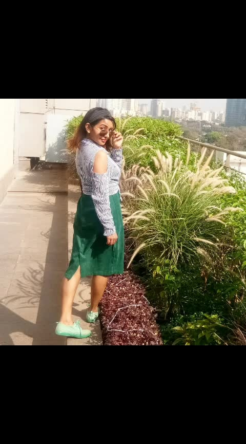🔥 Trying to beat d heat in #styles ?  This #summer keep looking #sweat free all day  🍧 🍹🍦  #summerfashion  #fashion  #styling  #instavid  #mumbaifashionblogger  #hot  #beauty  #beautyblogger  #ootd  #sneakers  #trendy  #trendeing  #rooftop  #sun  #fun  #instadaily  #instagirl  #wow  #sayanti  #sayantibanerjee