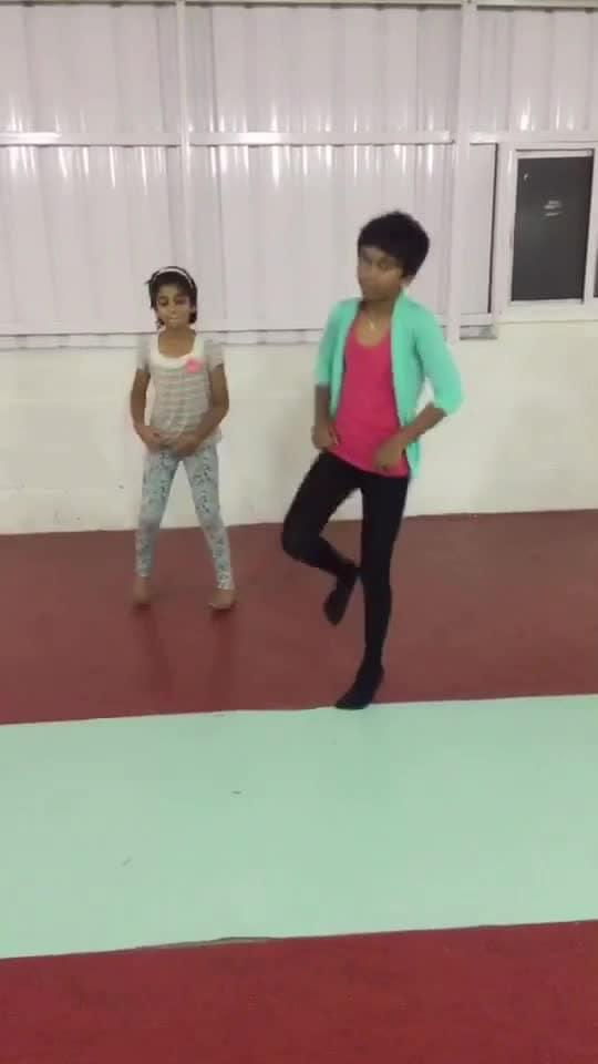 #danceguru #guleba #dancegurucontest #prabhudeva #dancing_legend #roposo-dancer #roposo-dance #roposo-tamil