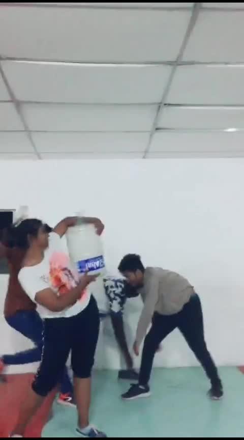 🇮🇳indiavin kudimagan #danceguru #usaraoothu #cinematic #roposostar #risingstar #champonboard #cbe #kollywood #tamil #folksong #dancegurucontest