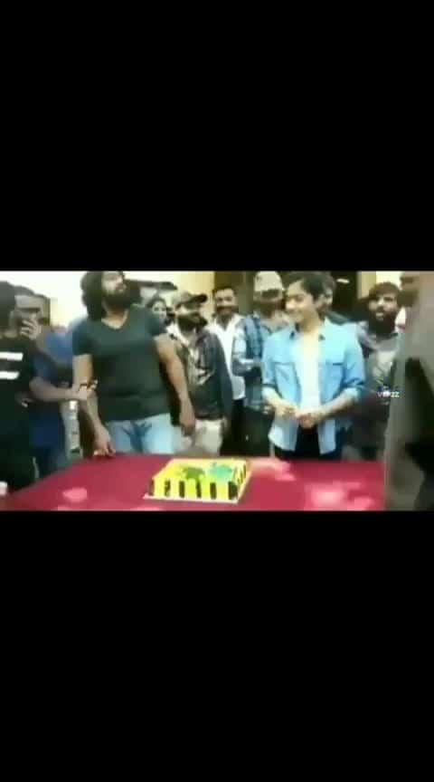 Rashmika Mandanna Birthday celebrations #rashmikamandanna #birthdayparty #cake-lover #birthdaycelebrations
