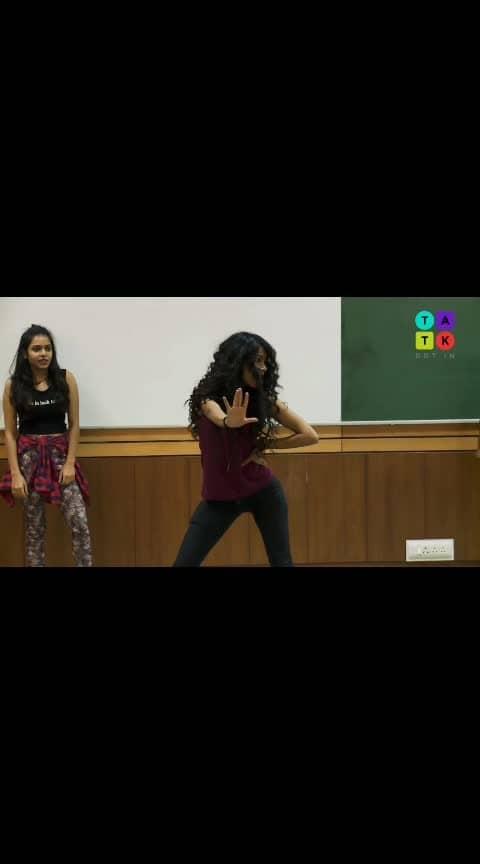 Super sexy dance faceoff of iit girls #hot-hot-hot #super-sexy #roposo-dance #roposo-beats #cheapthrills