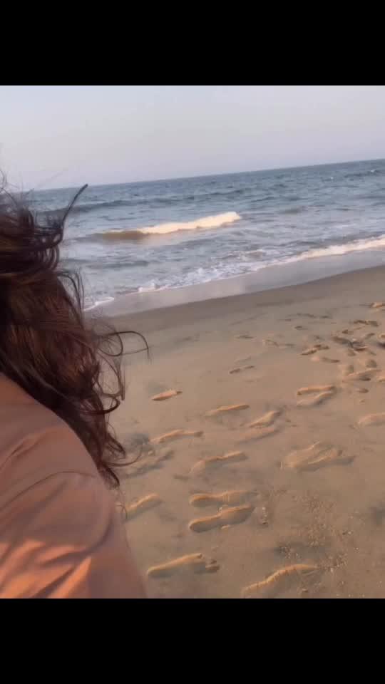 Beach & Golden hour ☀️🌊😍 #othaiyadipaathaiyila #kanaa #tamil
