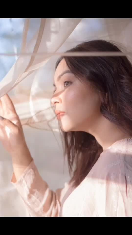 𝘓𝘪𝘬𝘦 𝘧𝘳𝘦𝘴𝘩𝘭𝘺 𝘤𝘶𝘵 𝘳𝘰𝘴𝘦𝘴,  𝘐 𝘱𝘭𝘢𝘤𝘦 𝘭𝘪𝘧𝘦 𝘪𝘯 𝘢 𝘷𝘢𝘴𝘦... 𝘰𝘧 𝘭𝘰𝘷𝘦. 🌹🌹🌹🌹🌹🌹 @myeyeshaveit 📸 . #priyaancka #raw #pictures #photooftheday #photography #photoshoot #tumblr #tumblrgirl #pinterest #pinterestphoto #pinterestfashion #makeuplooks #makeup #makeupideas #happy #pink #pinkpicture #pinkvilla #pinkaesthetic #aesthetic #aestheticedits #aesthetically #followme #instafollow #natural #naturalhair #naturallight #naturallightphoto #225kportraits