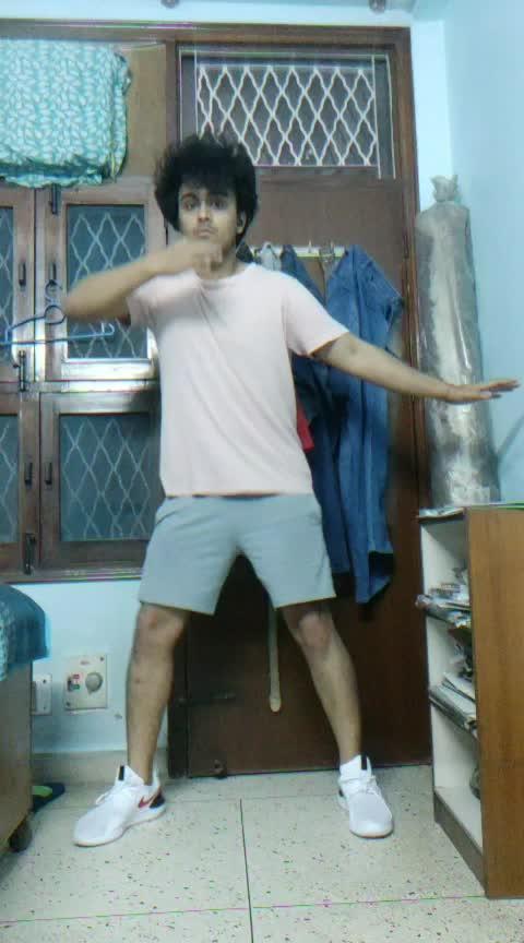 #aankhmarey #ranbirsingh #simba #bollywooddance #bollywood #risingstar #roposoness #dancelife #roposobeats #roposorisingstars #ropodaily