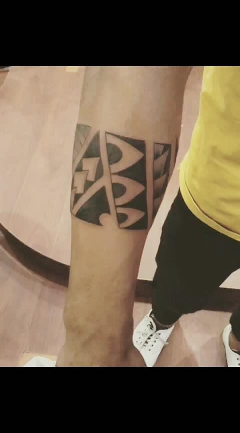 #friends #love #fitness #tattoolove #tattoo-lover #tattoo  tattoo band in my hand 💪 🤳 ✌️ 😉