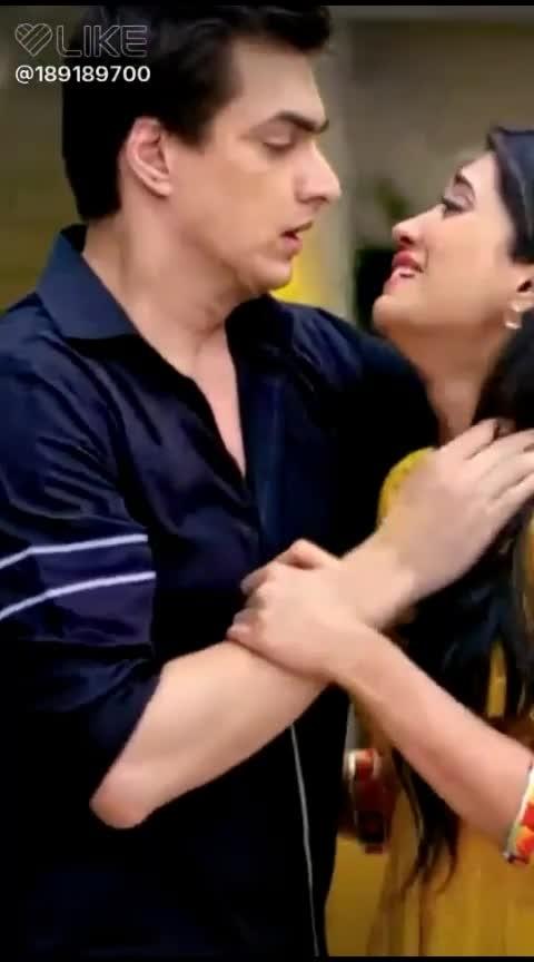 #behappyandsmile #loveyoubabu #nairanatik #yehrishtakyakehlatahai #mylovely 😀