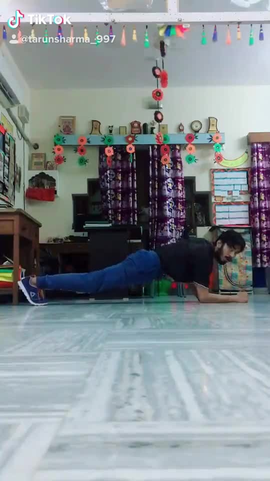 Plank challenge in my style 😉#plankchallenge #roposo #trending