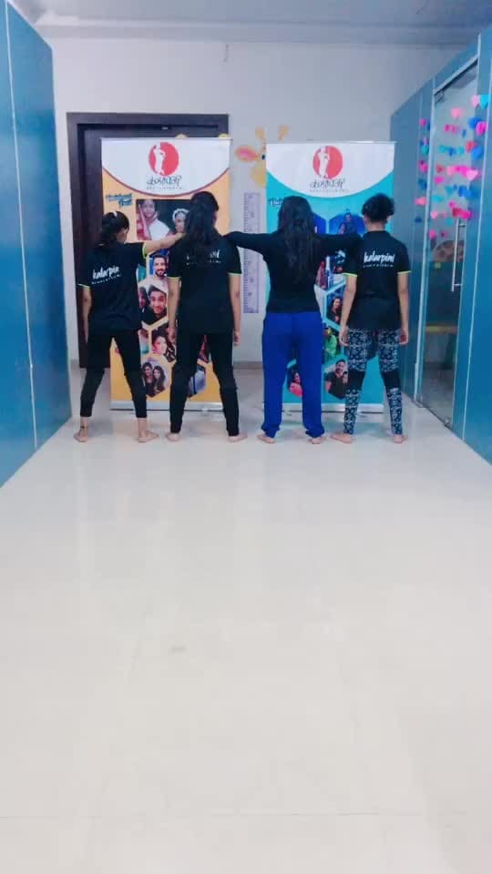 shantabai  love@roposocontests  #fashionkajalwa  #fashionandlifestyle  #manifoldeffect  #roposostar  #training  #roposo  #feed  #ropo-beauty  #dance  #risingstar  #roposostyle  #weekly_highlight  #beats ,