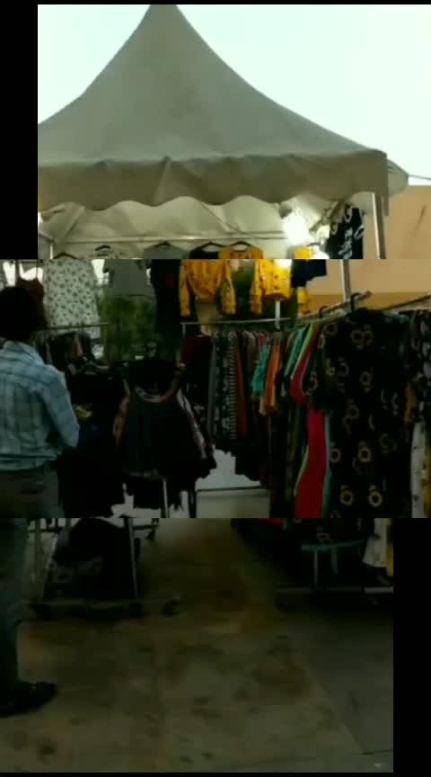 flea markets 😍 #roposo #shoppingmall #shoppingtherapy #roposofasion #fashion