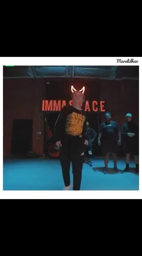 #roposo-dance #attitudematters #hiphopdance #stylishmen #dancingmoves #rowdyrockstar #newwhatsappstatusvideo #whatsapp-status #latestwhatsappstatus2019