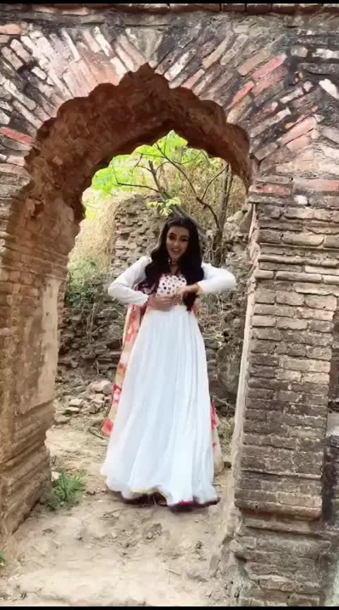 #whitedress