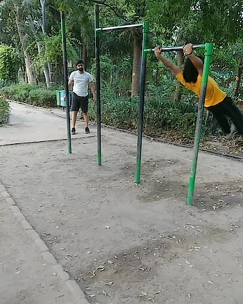 Girl look that body aaaah ,i ,i,i, workout 😀 #bboy #godhand #rops-star #rops-style #rop-love #workout #calisthenics #handstand