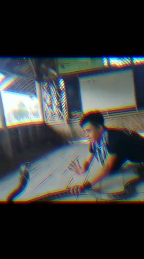 OMG 😱🙀 #wow #omgcrazy #snakedance #ropo-awsome