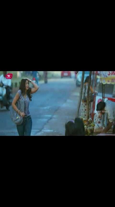 #julayi #allu_arjun #iliyanaa #whatsapp_status_video #bunnylove #super_scenes 😘😘😘😘😘