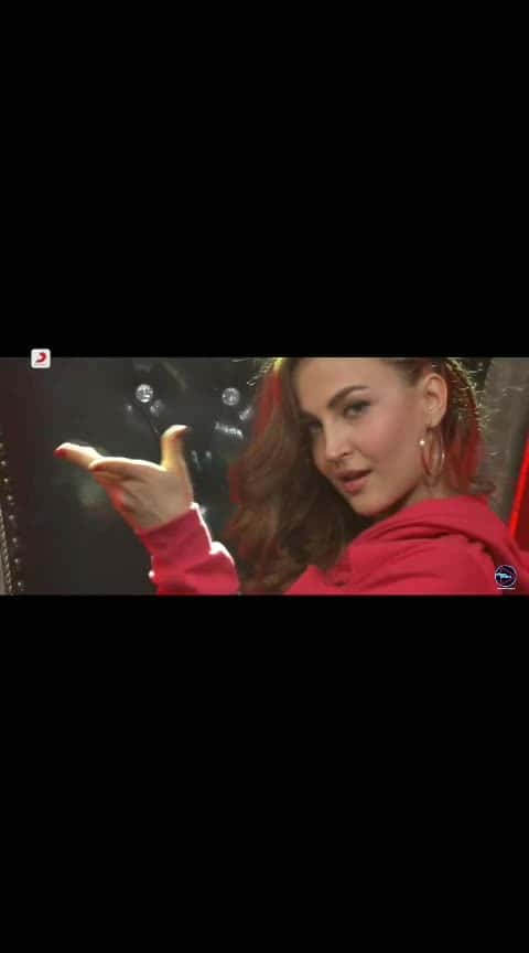 Hot sizzling dance on buzz #hot-hot-hot #sizzlinghot #super-sexy  #badshah #roposobeats #hahahatv #punjabi-gabru #buzz