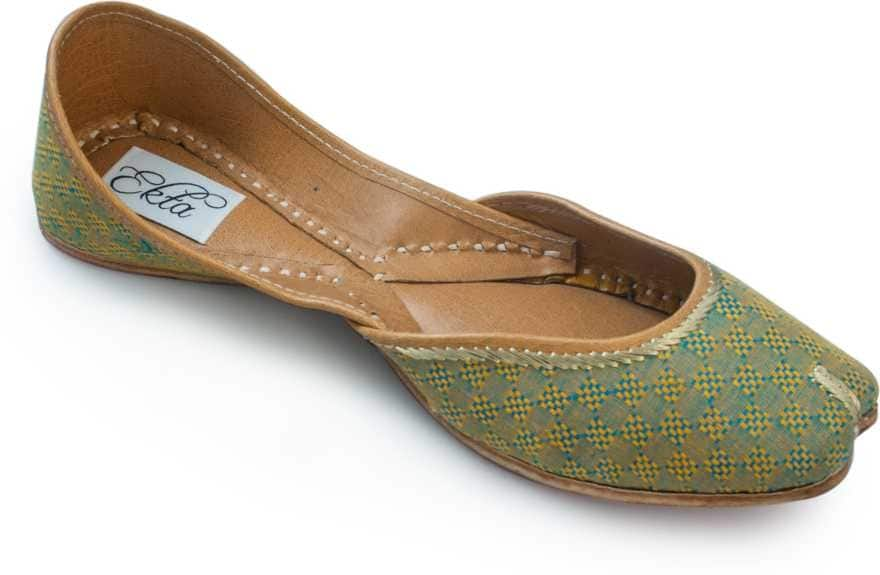 Emblazoned with a cotton fabric upper, these handwoven juttis with a cushioned inner sole are here to make a record-breaking impact in the world of ethnic fashion. 100% cotton fabric upper, genuine leather sole and insole This is a genuine handwoven piece, unevenness in the selvedge and weave could be expected On handloom, the process of weaving of fabrics is done completely manually without use of electric power. The process requires a harmony of motion and rhythm on the part of weaver to create a unique product. The provided juti is designed by making use of finest quality leather and handloom material under the direction of our skilled professionals. these handmade juttis feature traditional embroidery on the body. This Ethnic Punjabi Jutti and Mojaris are Very Popular Because You Can Wear Theses Juttis And Mojaris In Every Dress Formal As Well Casual, western as well as traditional. This Is Totally Handmade With High Quality Leather. These juttis normally go with ethnic wear like, Patiala Suit, Kurta Pajama's and Punjabi dresses, apart from these juties can also be worn with denims. Most of the girls these days go with this footwear collection as it is not only completes the attire but makes them feel stylish as well.  buy hear https://bit.ly/2nDCKu6