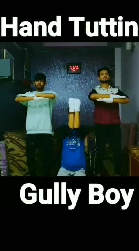 #gullygang #gullygangboy #ranveersingh #ranveersinghfanclub #aliabhatt #divine #gullygangboy #roposo-dance #dancelife #dance4life #danceing #danceing #dancemasti #