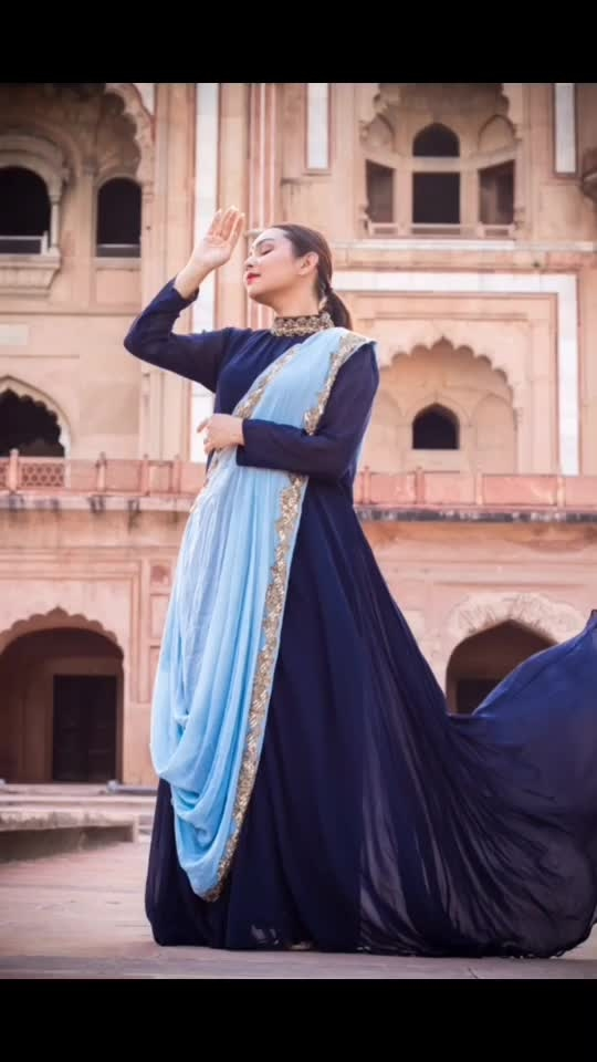 LOOK 2  Inspired by @therealkarismakapoor from her personal style in collaboration with @raas_kaaj_official . Shot by - @myeyeshaveit . #priyaancka #karismakapoor #personalstyle #personalstyleblogger #personalstyleblog #vintageclothing #ethnicwear #ethnic #ethniccollection #newdelhi #delhibloggers #plixxo #plixxoinfluencer #indiansuits #followme #instafollow #recreatedstyle #indianlook #indianethnicwear #fashion #suitsforwomen #poser #photooftheday #pictureoftheday #picoftheday #blue #bluesdress #newpost #trending