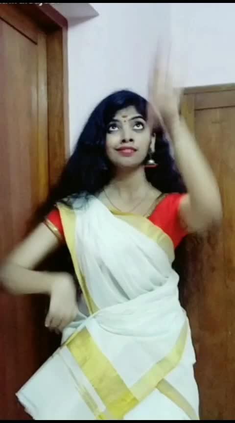 #happyvishu #vishuspecial #roposo-dance #dancelife #dancelove #classicaldance #vishu #risingstar #roposorisingstar #athirasajeev