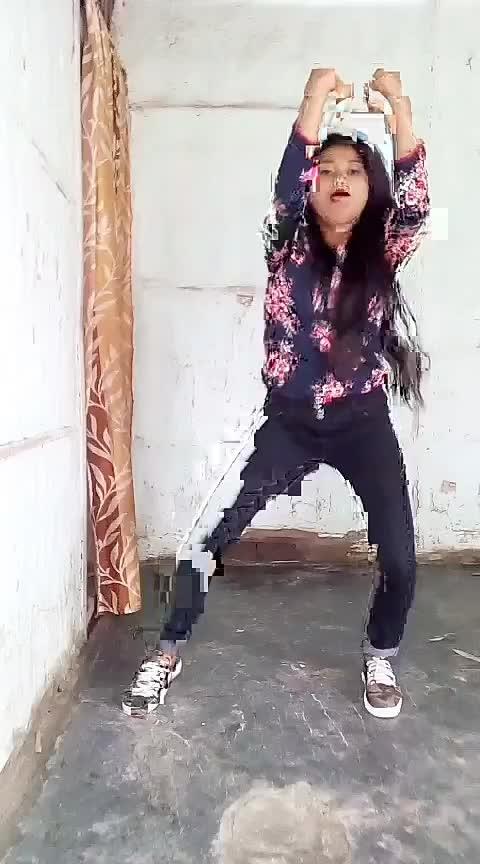 #roposo-dance #dancingmoves #assamgirl Roposo @roposocontests @roposotutorial @roposotutorial @roposotalks #staroftheweek #roposo-star #dolidanceroposo