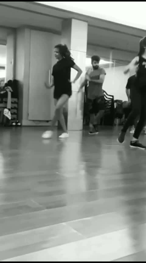 Mi Gente | J Balvin #dance #RajatBakshiChoreography #dancerforlife #urban #hiphop #hiphopdance #indian #mumbai