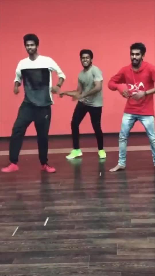 Ottagatha kattiko 🥰🥰🥰🥰🔥🔥 #roposo-dancers #roposo-dance #roposolove #roposobeat #roposo-mood #roposofun #roposotime #roposoking #roposogopalstreamer #roposotamilko #roposofact #roposokingofking #trending