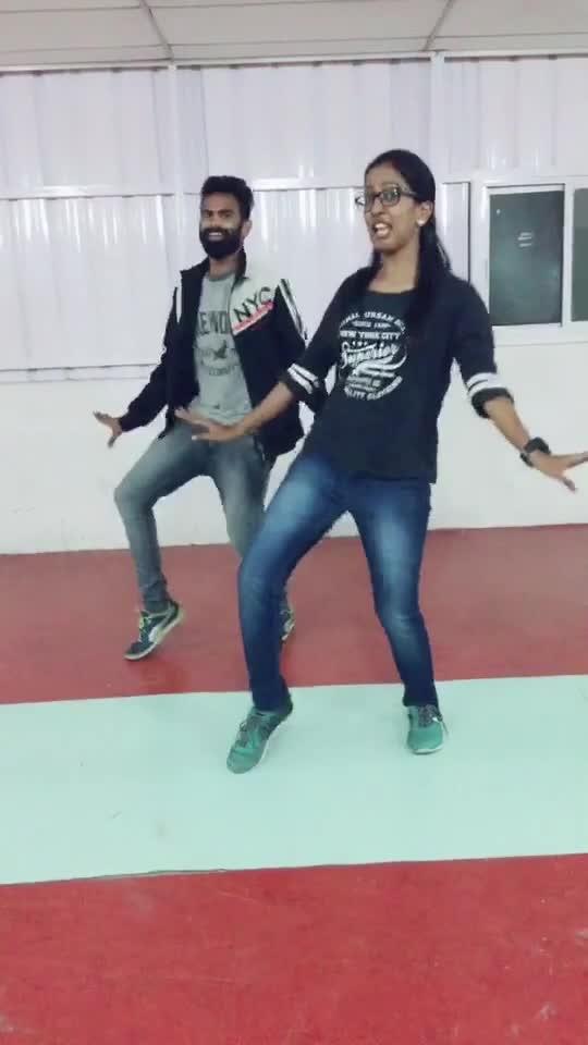 #dhimsu_katta #ilayathalapathy #roposo-dance #roposo-dancer #roposo-tamil #roposo-style #manibhai #cbe #coimbatore