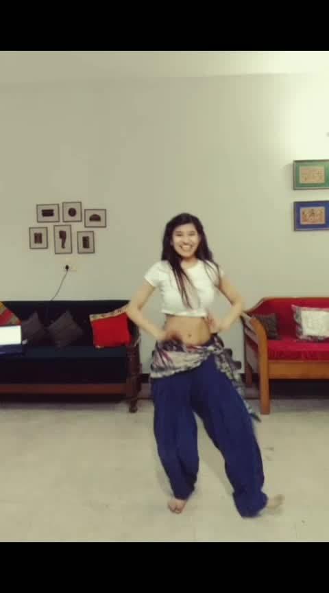 Nainowale ne 👀 #roposo-dancer  #roposo-dancer #classicaldance  #indiandance  #bellydance  #fusiondance #nainowalene