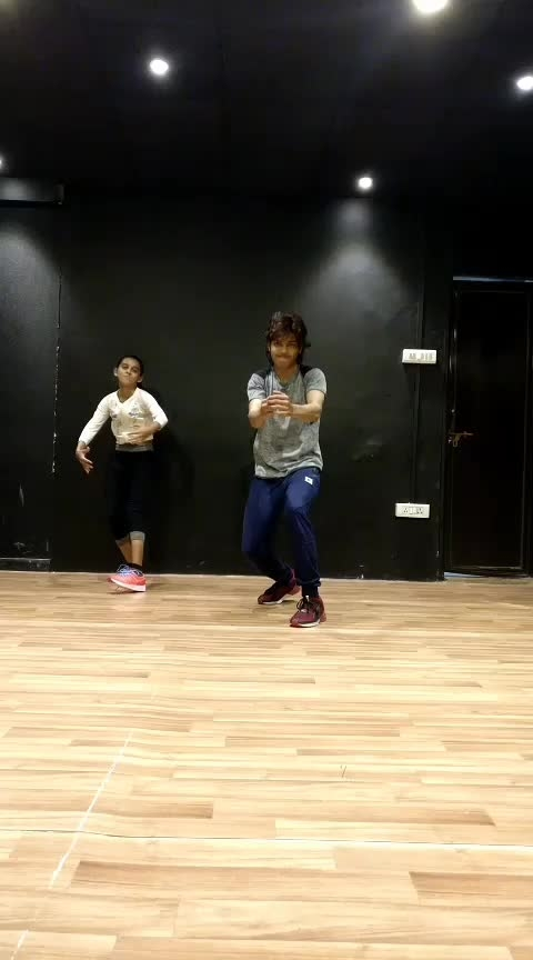 kyu chalti hain Pavan #dance #roposo-dance #hiphopdance