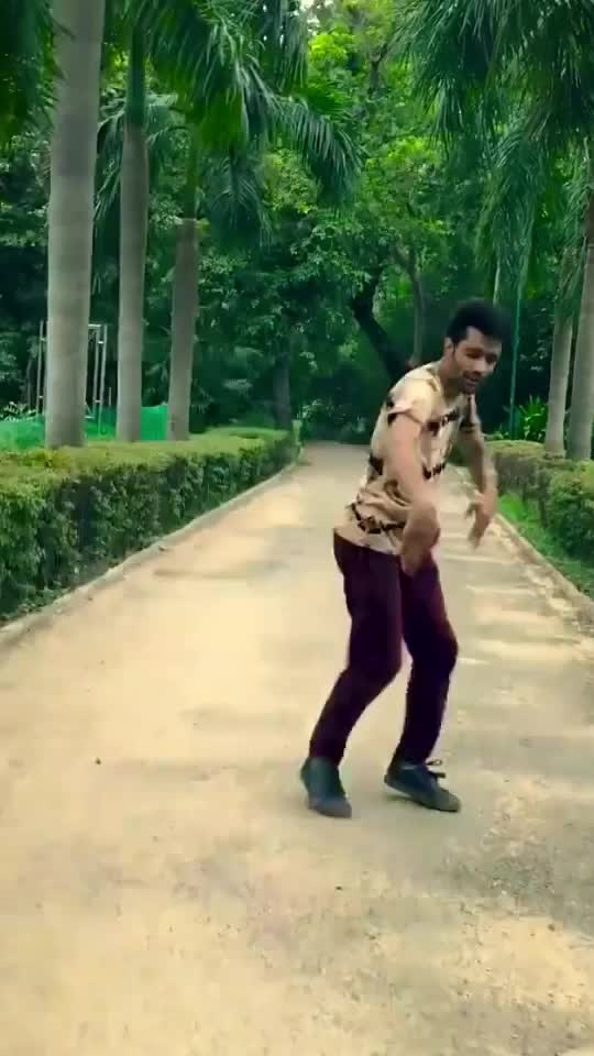 #dance #danceing #ropo-dance #rops-dance-style #bollywood #roposo-bollywood #bollywoodmasti #roposo-masti #fun #roposo-fun #freestyle #freestyledance #dancefloor #danceforever