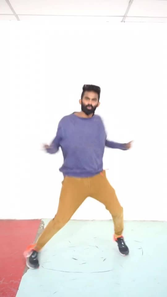 Google google pani pathen 😍🕺🏻💃 #thuppakki #ilayathalapathyvijay #google_google #harrisjayaraj #roposo-dancer #roposo-dance #roposo-tamil #roposo-style #manibhai #cbe #coimbatore
