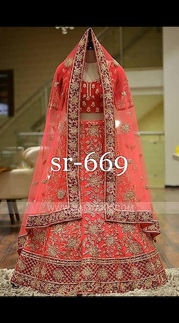 #sr-669  💃💃💃💃💃💃💃💃💃💃💃💃  👉#Langha:-taffeta silk with hevvy chaine stich work  👉#Choli:-benglori silk with chaine stich work  👉#Dupatta :-net with lles bodar  *Rate:- 1365 /-*+Shiping cost Extra