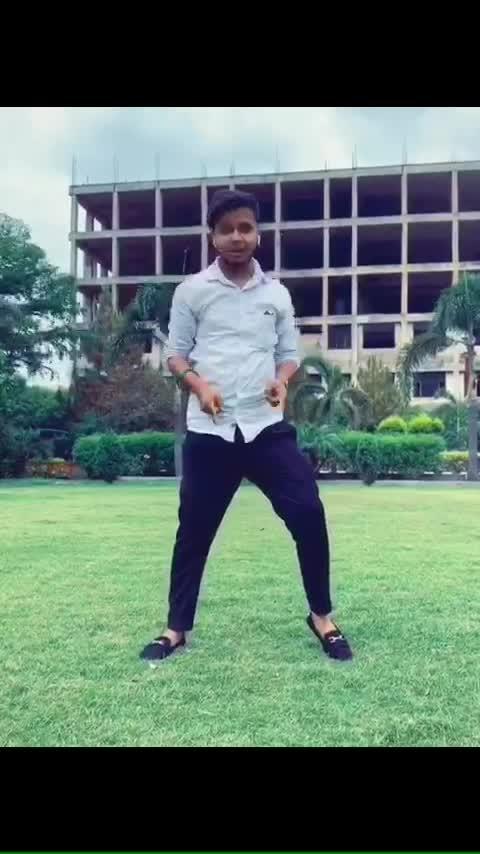 Tu na jane aas pas hai khuda #ranveerkapoor #bollywood #lyrical #feel #roposo-dance