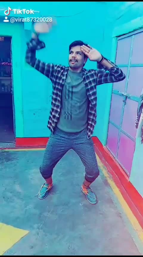 Baki sab fassclass hai  I love varun Dhawan