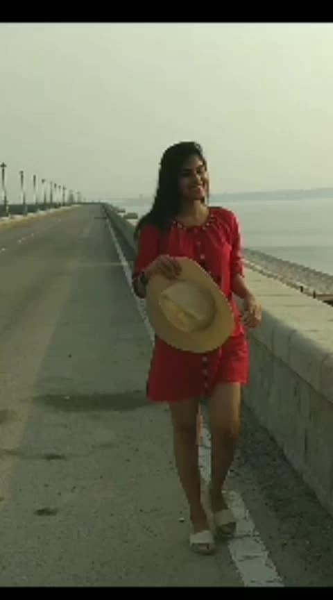 ❤️❤️❤️❤️ #roposo #trendeing #hindisong #bollywood #roposoers #roposostar #risingstar #harija #lovesong #walk #feeling-loved
