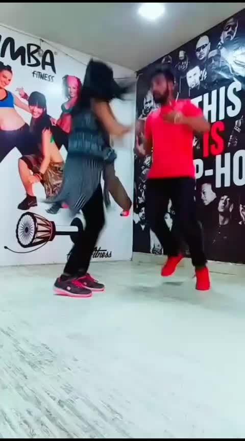 choti si umer mai🤣#gujju #roposo-dance #roposo-beats #roposo-foryou #roposo-wow #roposo-trending #roposo-star #roposo-tv #roposo-haha #roposo-contest