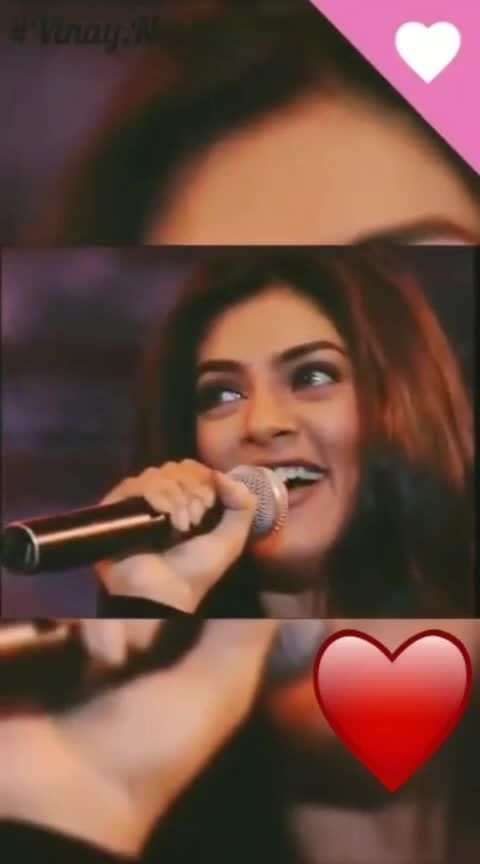 Her smile is so cute❤️❤️❤️❤️ #soulfulquotes #romantic-propose #romance #love #pyar #romanticquotes #bestquotes #sushmitasen #amazing-video #ishq #roposostars #dailywishes #lovelife #trendingnow #dard-e-mohabbat