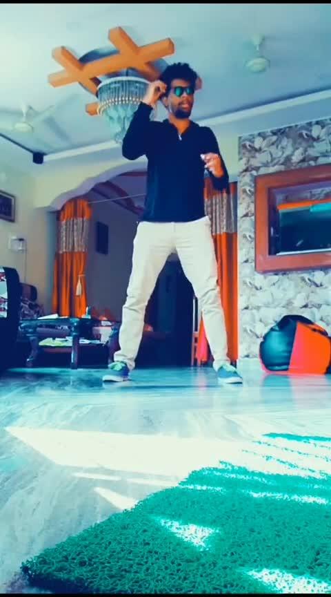 🤘🤘🔥 #dance #roposo-dancer #roposo #global