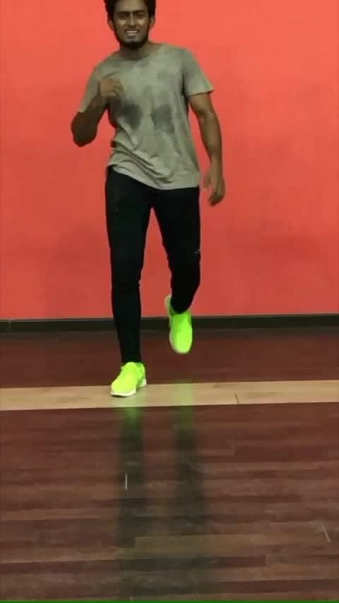 Maari ethu 💃💃💃💃💃 #roposo-dancers #roposo-dance #roposolove #roposobeat #roposo-mood #roposofun #roposotime #roposoking #roposogopalstreamer #roposotamilko #roposofact #roposokingofking
