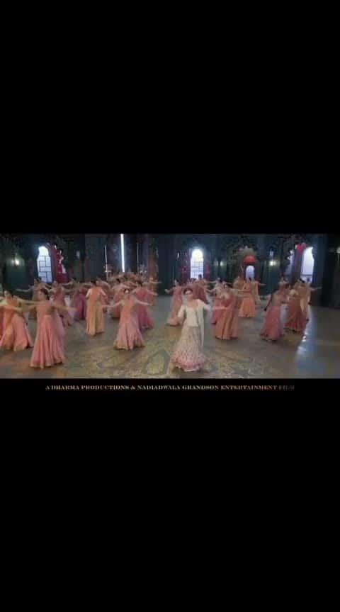 #kalank  #kalanksong  #bollywoodactress  #bollywooddance  #roposo-filmistan-channel