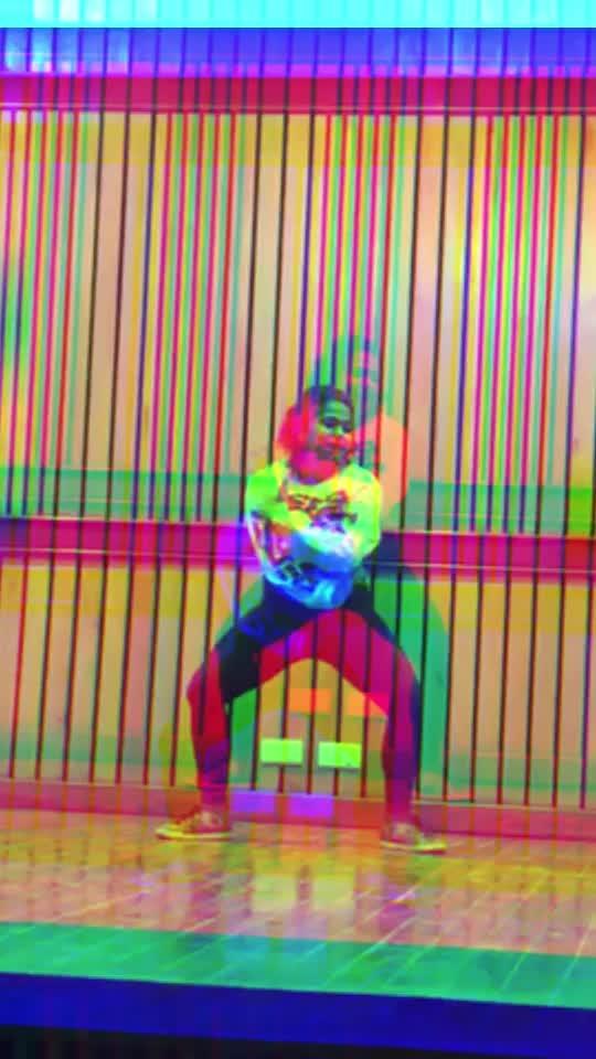 Bol na halke halke #featureme #featurethisvideo #featureit #dancevideo #feel #soul #connection #slow #slowmotion #style #improvisation #feelingit #motion #dancemoves #roposo-dance #roposo-dancers #dancerslife #hit #like #share #comment #task #model #active #energy #fullpower #hard #swag #live