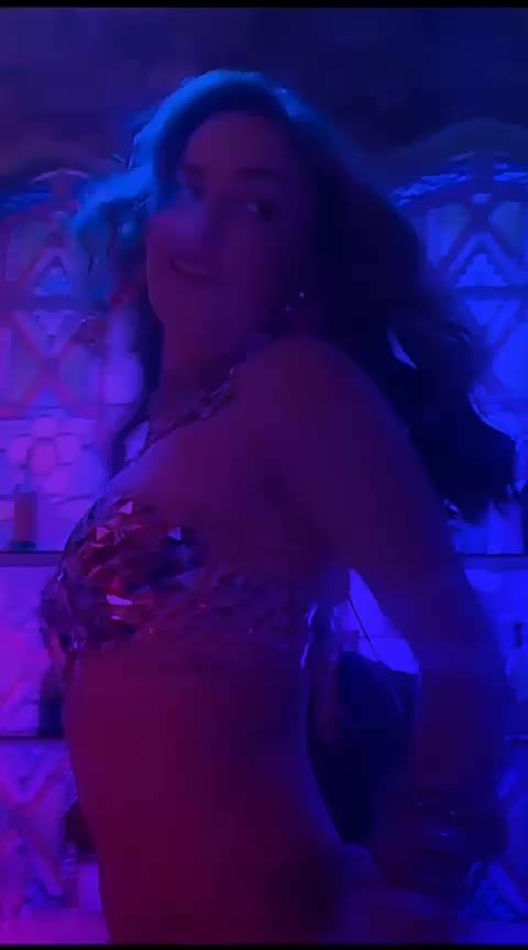 #chamma-chamma #latestcollection #latestsongs #hot-figure #beautifulsoul #chamma #sonakshisinha #mungada #mungdadance #mungada #ajaydevgan_best_song #oldbollywoodsong #oldhitsongs #old-is-gold #oldbollywoodsong #oldhitsongs #roposo-cute #roposo-masti #roposo-beats #punjabi_masti #desidancer